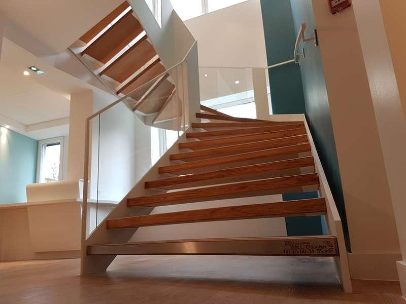 escalier m tallique limon a la fran aise m tallerie bas rhin. Black Bedroom Furniture Sets. Home Design Ideas